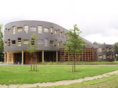 Oosterwolde_gemeentehuis_2008